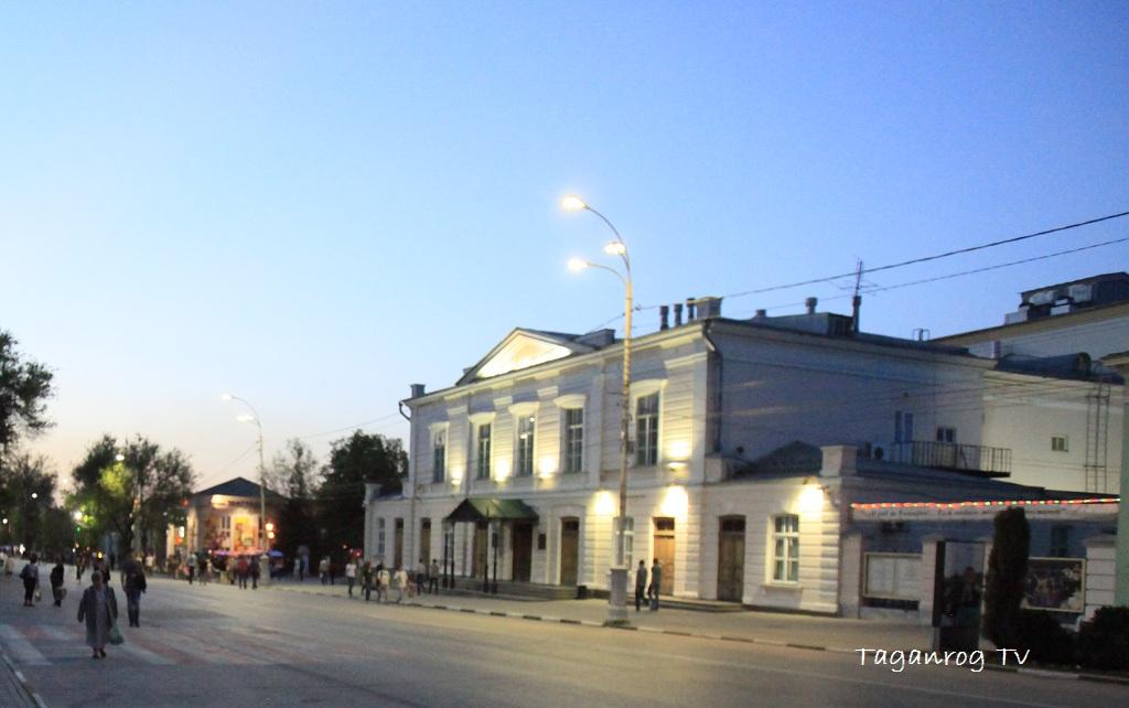 театр-чехова-таганрог