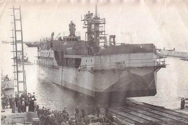 Судеремонтный завод 1968 г. Спуск судна.